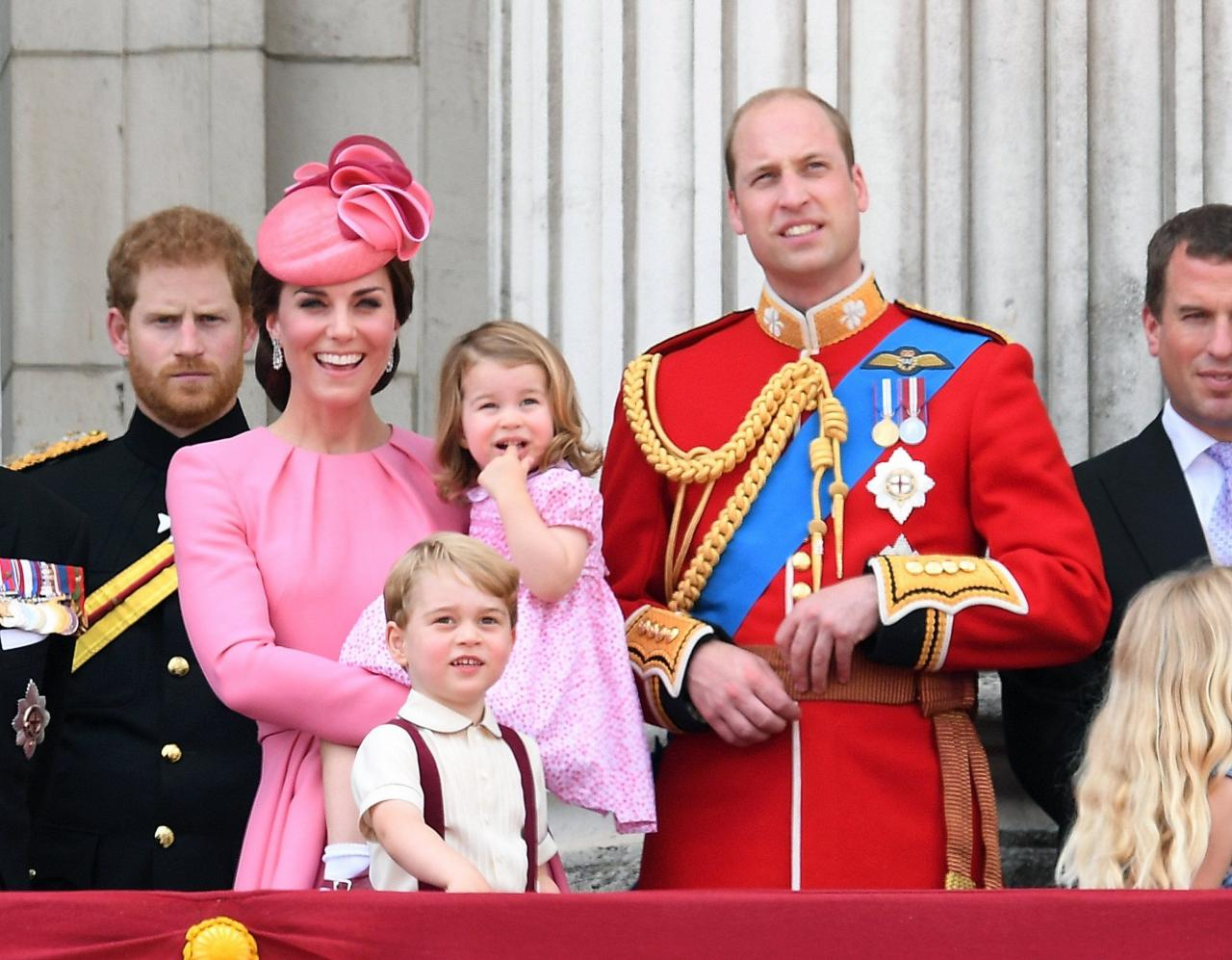 LONDON, ENGLAND - JUNE 17: Catherine, Duchess of Cambridge, Princess Charlotte of Cambridge, Prince George of Cambridge and Prince William, Duke of Cambridge look on from the balcony during the annual Trooping The Colour parade at the Mall on June 17, 2017 in London, England. (Photo by Karwai Tang/WireImage)